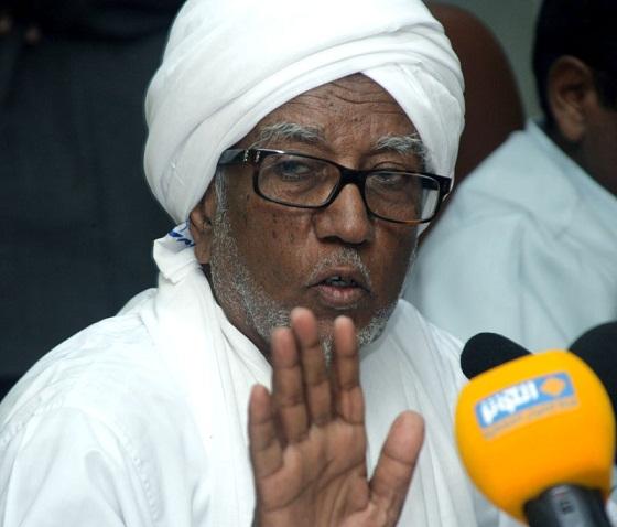 """البرلمان السوداني يتسلم مبادرة لتعديل الدستور لترشيح البشير لدورة حكم مفتوحة """"دون تقييد زمني"""""""