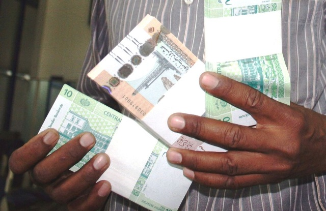 اتفاق بين المالية واتحاد العمال على سداد كافة متأخرات العاملين بولاية الخرطوم