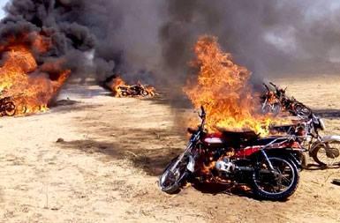 مواطن يلقي مصرعه وحرق دراجته البخارية