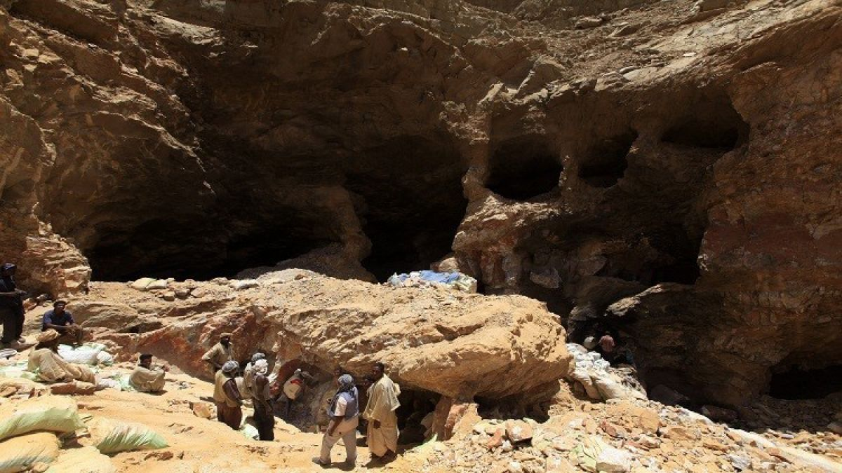 وفاة (17) شخصاً منهم سودانيون في انهيار منجم بتشاد