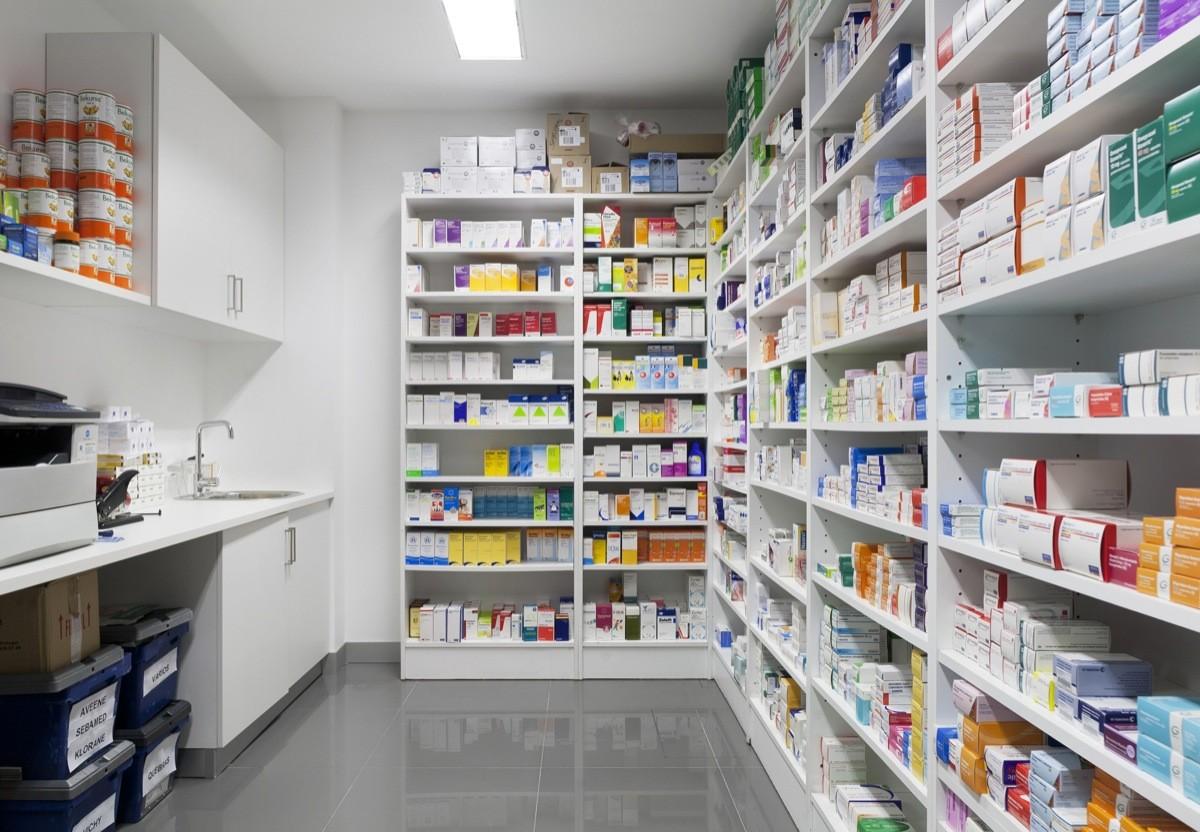 مراقبون: زيادات كارثية في الأسعار.. الأدوية بالصيدليات.. (روشتات) رهن الفقر..!!