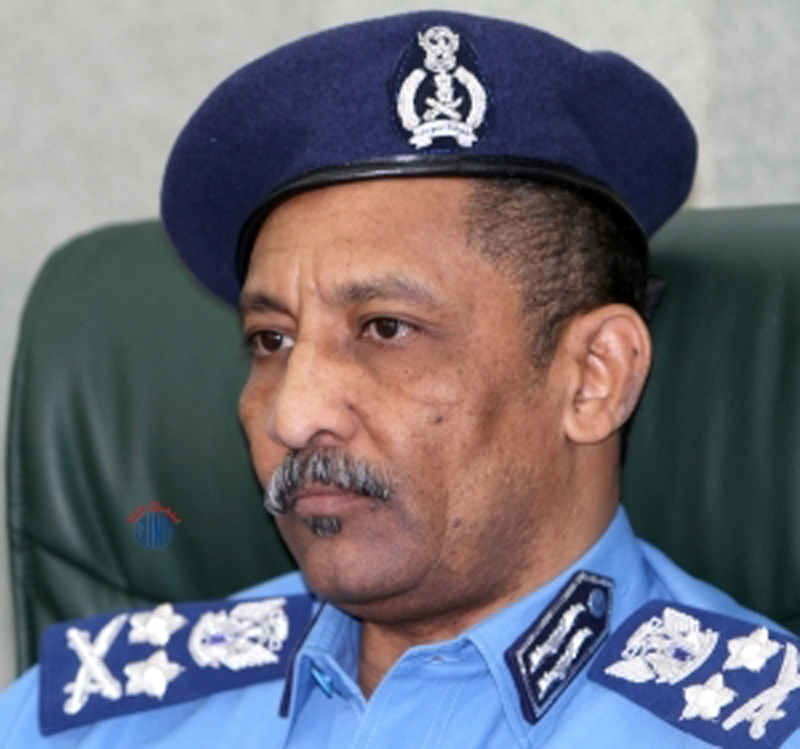 اقتحم جلسة تشريعي الخرطوم العام الماضي الشرطي حسان : حقوقي لم تُدفع و قررت مقاضاة مدير عام الشرطة