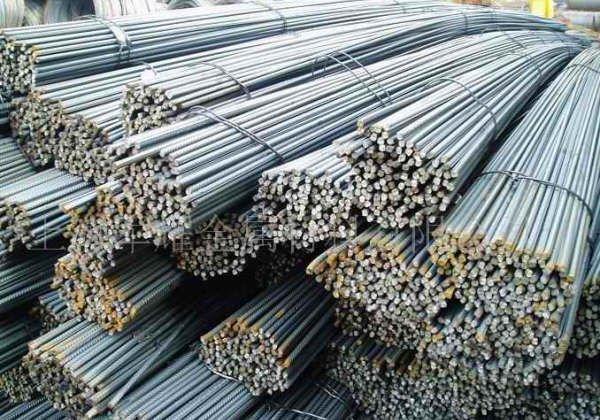 توقعات بزيادة جديدة في سعر الحديد