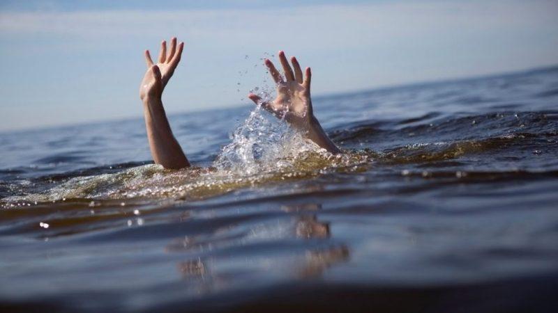 سقوط عربة دفار في النيل بـ(أبو حمد)