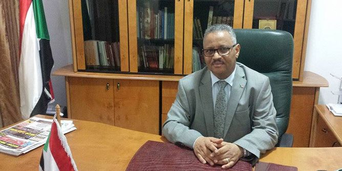سفير السودان بتونس يزور المنتخب الوطني