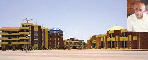 (بالفيديو) مدير جامعة الاحفاد السودانية للبنات يعتدي على طالبة بالضرب