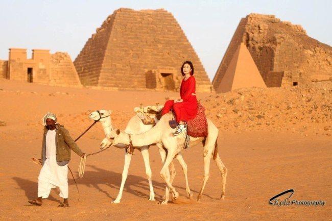 حسناوات الصين يوثقن للحضارة السودانية