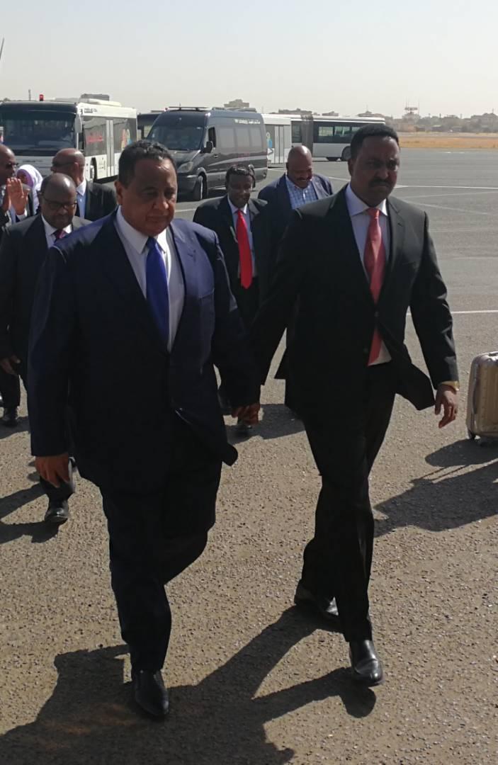 وزير الخارجية الاثيوبي وصل الخرطوم لبحث اخر تطورات الاوضاع بخصوص سد النهضة
