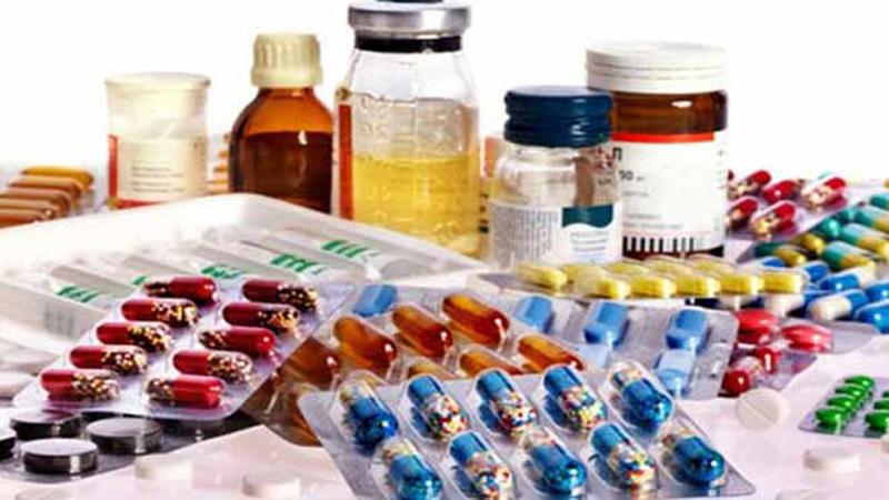 القبض على متهمين ببيع الأدوية بالواتساب