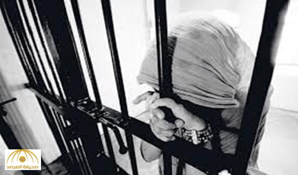 السجن لطالبة جامعية تتعاطى (الممنوع) داخل ركشة