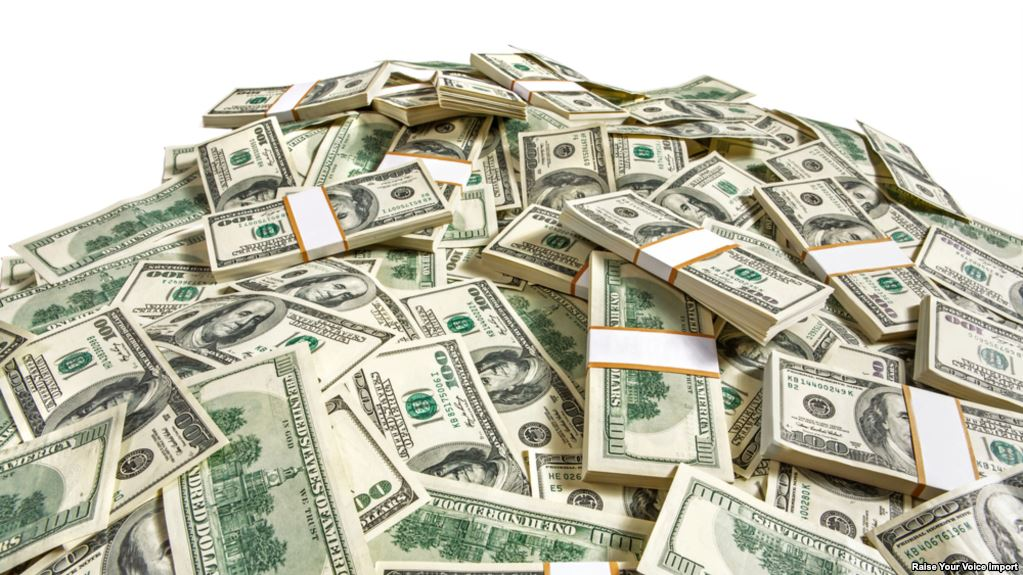 خبراء إقتصاديون يرسمون خطط لتوفير السيولة والنقد الأجنبي