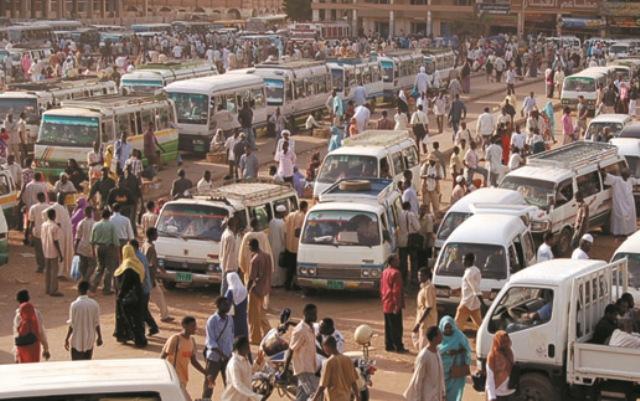 حملات لفتح المسارات بمواقف مواصلات وسط الخرطوم