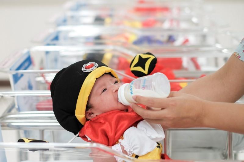 الأمم المتحدة تحث المستشفيات على تشجيع الرضاعة الطبيعية