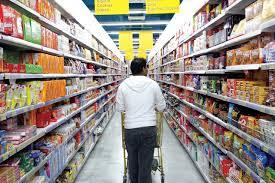 دراسة بحثية: زيادة الأجور الحالية لا تكفي نصف تكلفة المعيشة