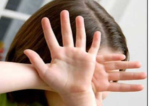 محاكمة متهمان بإخفاء طفلة قاصر لعدة سنوات