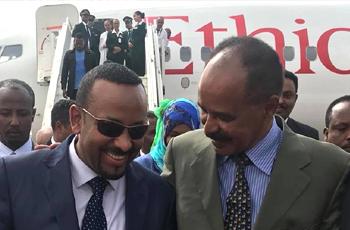 """رئيس وزراء أثيوبيا """"أبي أحمد"""" يصل إريتريا في زيارة تاريخية"""