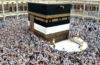 السعودية تمنع الدخول لأراضيها لأداء العمرة وزيارة المسجد النبوي مؤقتاً