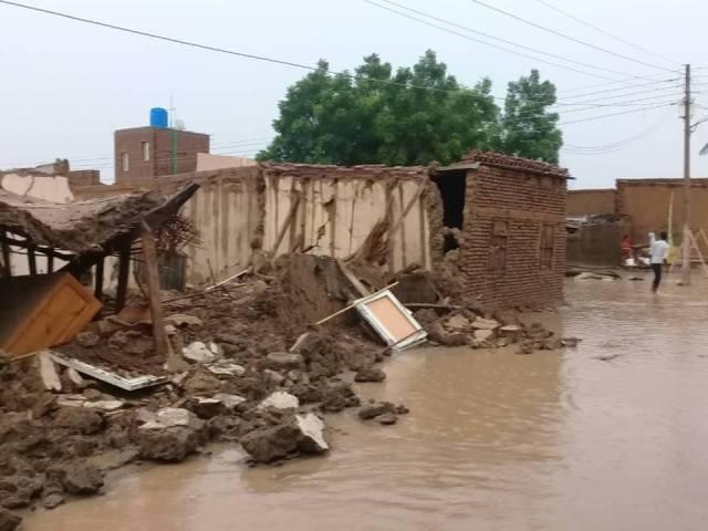 وفاة وإصابة عدد المواطنين برفاعة جراء الأمطار