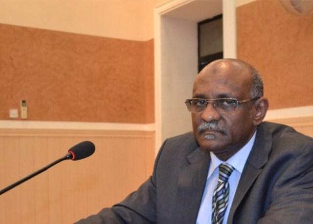 وزير المالية بالخرطوم يدعم صقور الجديان بربع مليار
