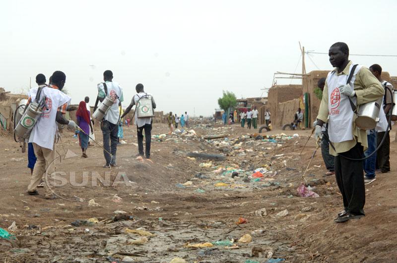 حملة كبرى لإصحاح البيئة بمدينة 24 القرشي