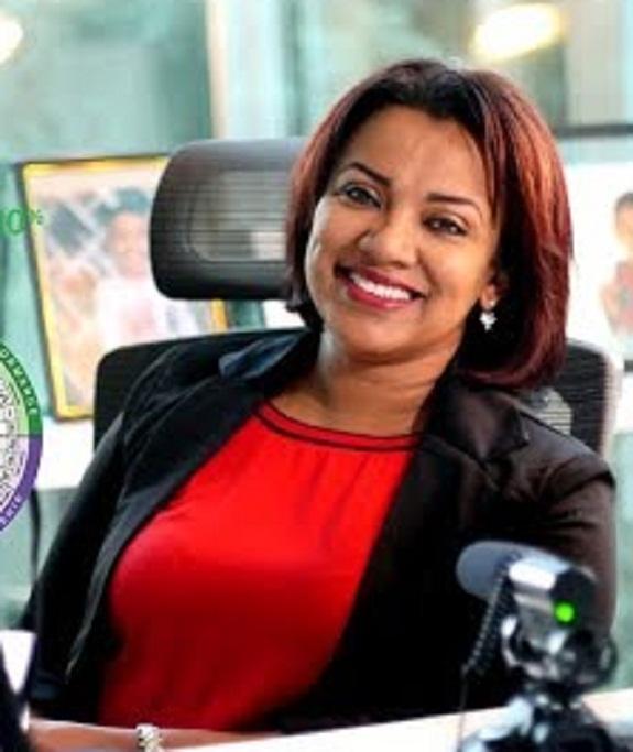 بالفيديو : سودانية تعيش بمفردها في اسكتلندا تجعل من ابنتها صاحبة أكبر شركة بالولايات المتحدة الأمريكية