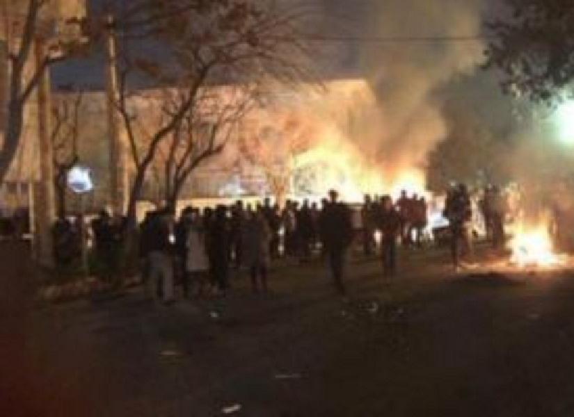 حرق ونهب مباني حكومية بكسلا