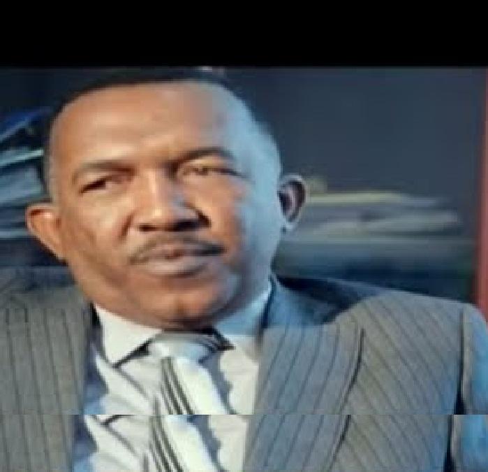 بالفيديو : (عتالي) بميناء بورتسودان يمتلك شركات محلية وعالمية للاستيراد و التصدير
