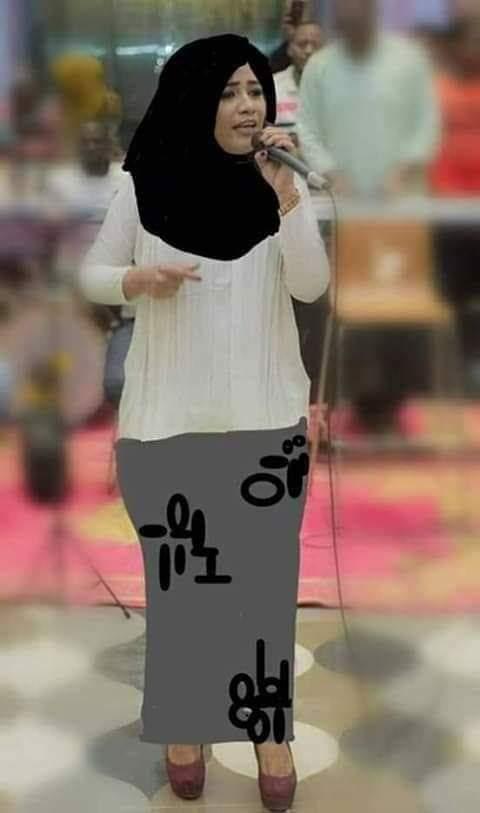 """بالصورة : ظُرفاء مواقع التواصل """"يسترون"""" """"منى مجدي"""" بعد ظهورها بملابس """"خليعة"""""""
