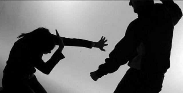 امرأة تتنازل عن مقاضاة زوجها مقابل طلاقها