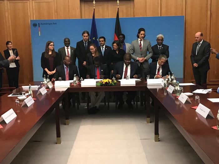 الحكومة والحركات توقيع اتفاقية ما قبل مفاوضات الدوحة