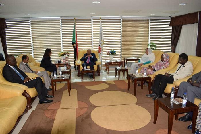 وزير العدل يلتقي اللجنة التابعة لمكتب المفوض السامي