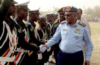 الجيش يُجدد التأكيد على حماية الوطن والتفافه حول القيادة