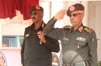 """الجيش: لن نفرّط في القيادة أو نسلّم البلاد إلى """"شذاذ الآفاق"""""""