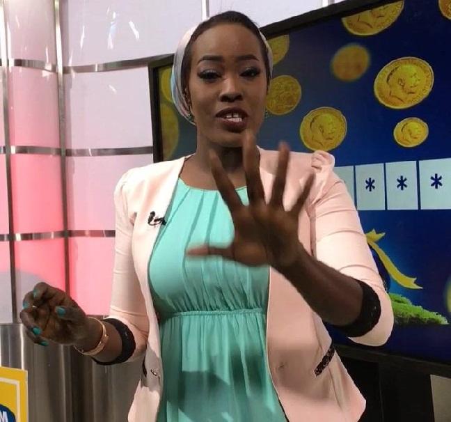 بالفيديو : المذيعة تسنيم رابح تهدي أغنية (لكل ظالم) من قناة سودانية 24