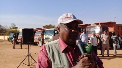 صورة وزير الثقافة والإعلام والسياحة بولاية الخرطوم يخاطب انطلاقة حملة النظافة بكرري شرق
