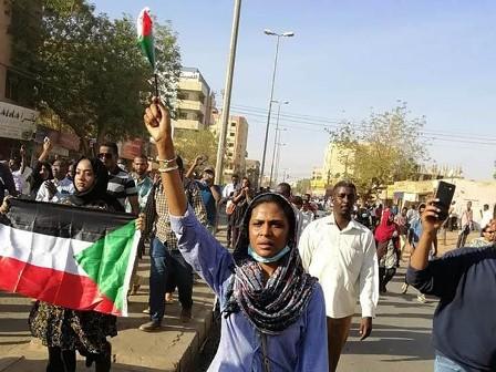 """""""المهنيين السودانيين"""" يطالب بفتح تحقيق عاجل في مقتل متظاهر"""