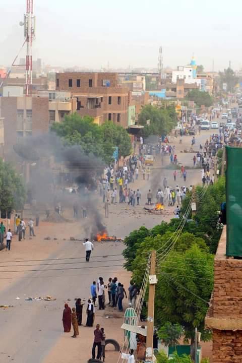 """الثورة السودانية """"الوليدة"""" واصطدامها بحائط المزاج الدولي"""