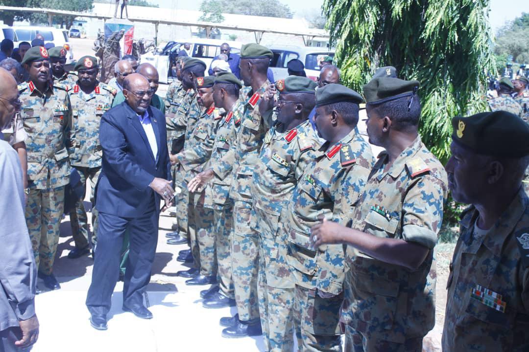 البشير :الأمن والاستقرار متلازمان مع عمليات التنمية
