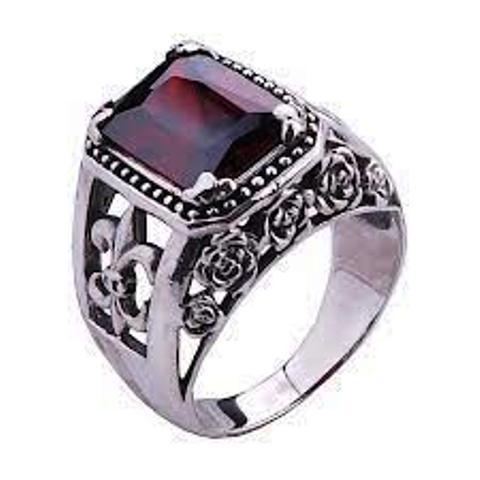 خاتم الفضة للرجال..  يجلب السعادة ويمنع الحظ العاثر