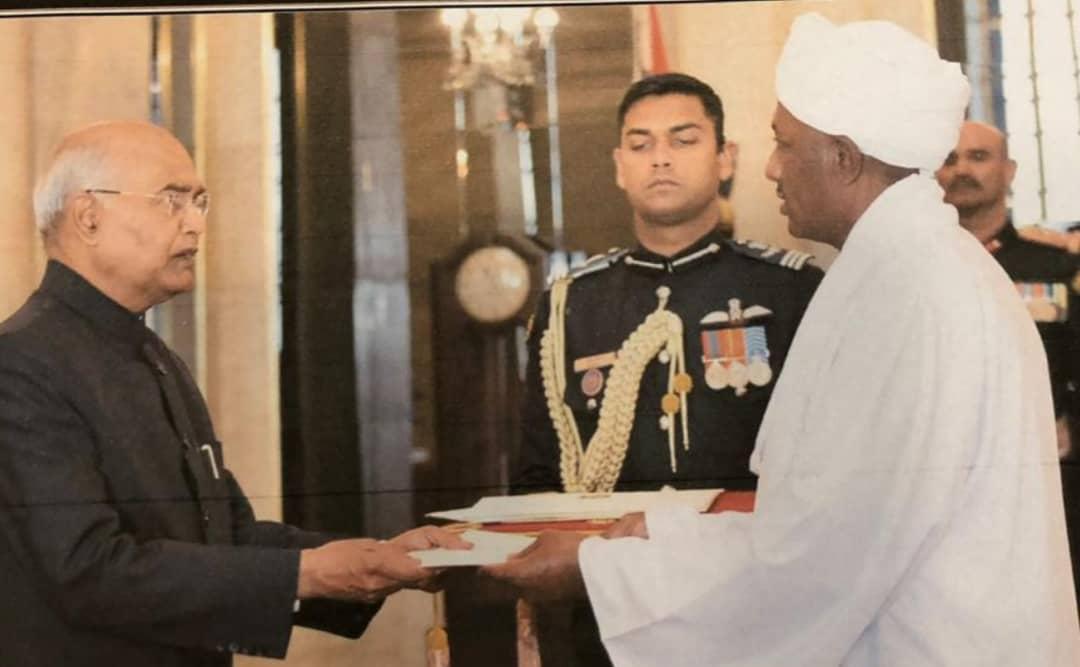 سفيرالسودان لدى الهند يقدم اوراق اعتماده للرئيس الهندي