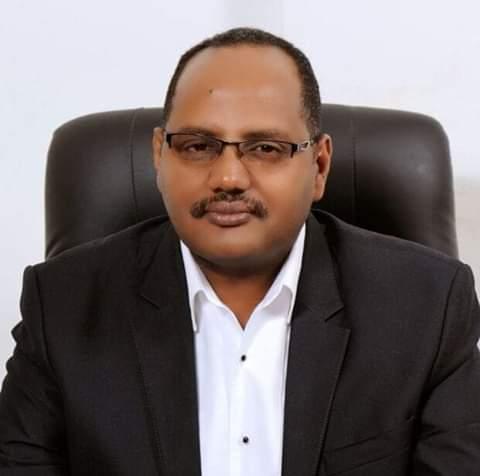 """الإعلامي """"الطاهر التوم"""" يكشف أسباب إيقاف المذيع """"حاتم التاج"""" ومراقبون يوضحون السبب الحقيقي وراء الحملة ضد سودانية 24"""