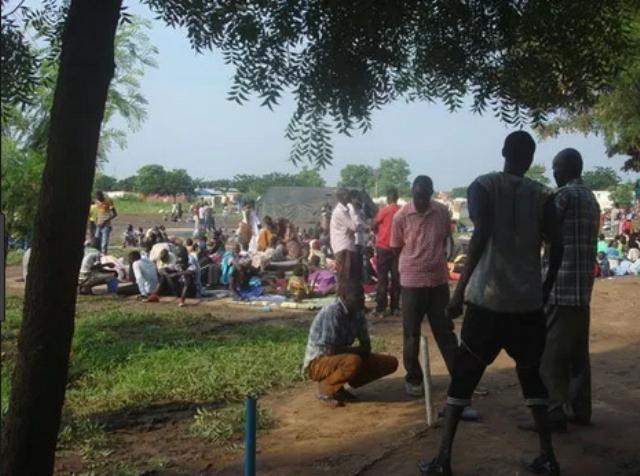 مصرع شاب على يد أفراد من جنوب السودان ..وأهالي القتيل يشنون هجوماً ويحرقون بيوت الجناة