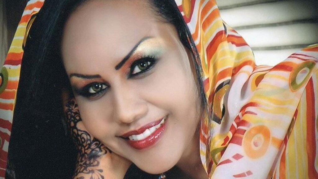 هند الطاهر تمثل المرأة السودانية في احتفال