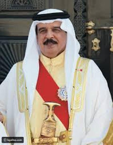 ملك البحرين يؤكد وقوف بلاده إلى جانب السودان