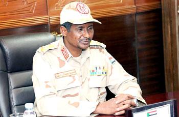 نائب رئيس المجلس العسكري يترأس اجتماع لجنة الطوارئ القومية