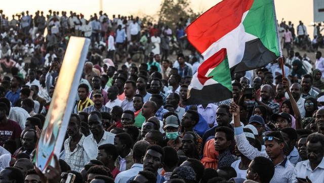 في مليونية الثلاثين من يونيو ثوار الخرطوم :