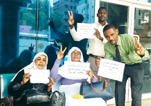 القضاة والمحامون..التوقيع على دفتر الإضراب