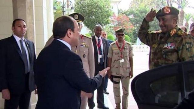 البرهان يؤكد على عمق العلاقات السودانية المصرية