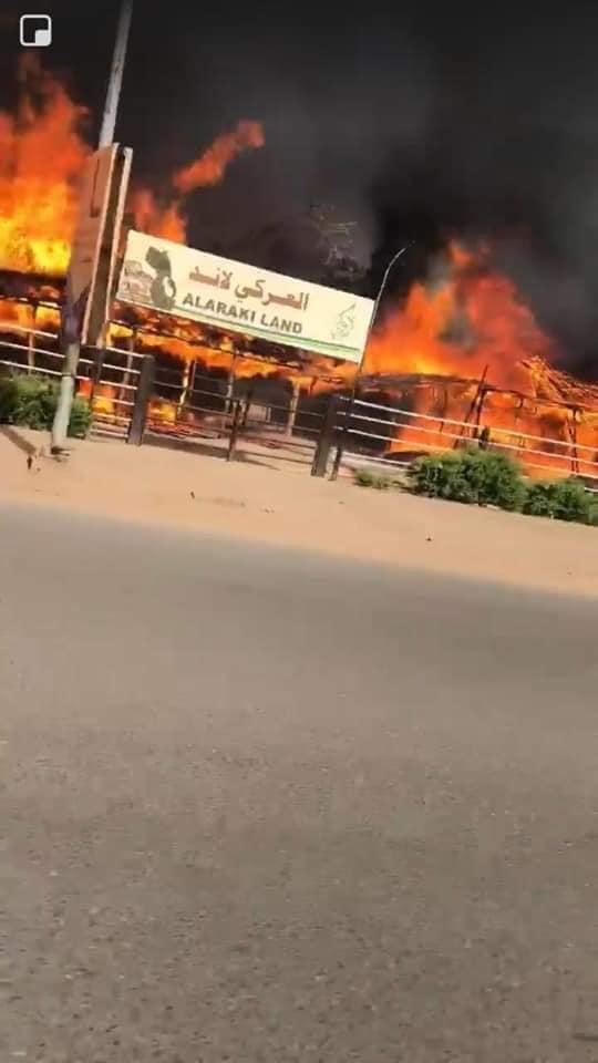 بالفيديو : حريق هائل يلتهم مقهى مشهور بشارع النيل