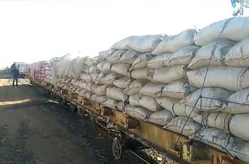 تكدس عربات السكة الحديد بين بورتسودان والخرطوم